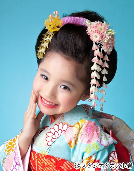 448ee01c78894 日本髪は日本が独自に育んできた伝統文化の髪型。その文化を七五三で体験するお子様・ご家族が増えています (写真提供協力) スタジオタカノ小岩